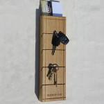 деревянная ключница для прихожей
