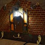 ручная работа, handmade, Ярмарка Мастеров,деревянная заготовка ,акриловые краски и лак,цепочка,лампа,фурнитура,коричневый,ключница,светильник,ключница-светильник,ключница со светом,ключница для дома,ключница подарок,ключница настенная,ключница ручная работа,ключница в прихожую,миниатюра,оригинальная ключница,стильная ключница,коричневая ключница,ключница деревянная,Ключница декупаж,для ключей,винтаж,лампа,домик