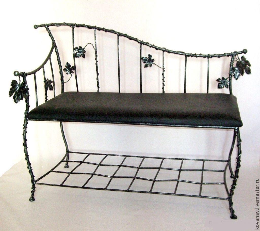 Черный кованый диван в прихожую