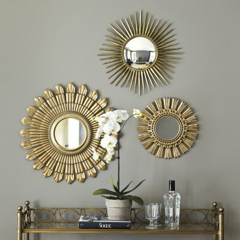 Декоративные мини-зеркала в прихожей