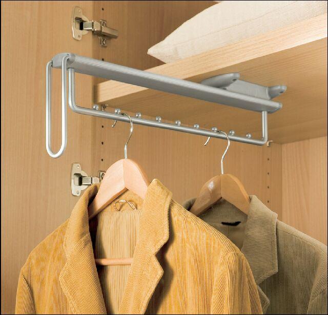 Лифт для одежды в шкафу купе