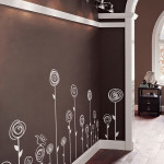 Матовые стены шоколадного цвета в коридоре