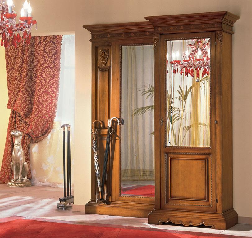 Мебель в прихожую под старину