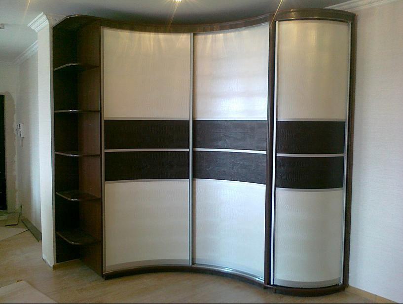 Угловая модель шкафа в прихожую
