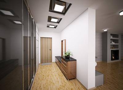 Вариант многоуровневого потолка из гипсокартона для узкой и длинной прихожей