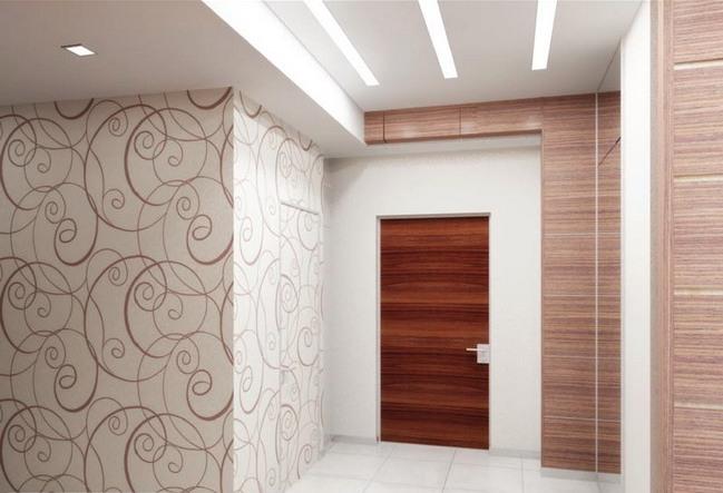 Комбинирование обоев и ламината на стенах в прихожей