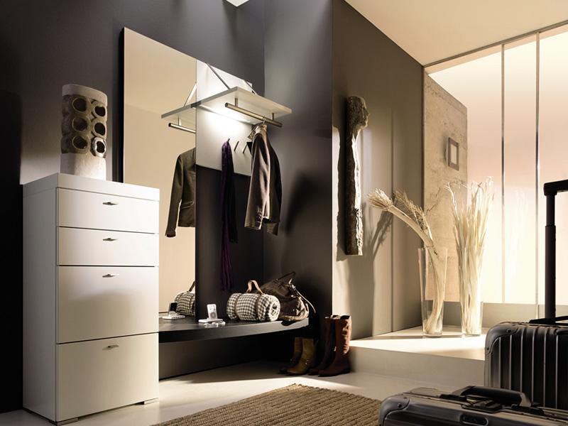 Мебель в современной прихожей