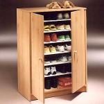 Обувница с распахивающимися дверцами