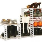 Открытый вид обувницы из пластика в прихожую