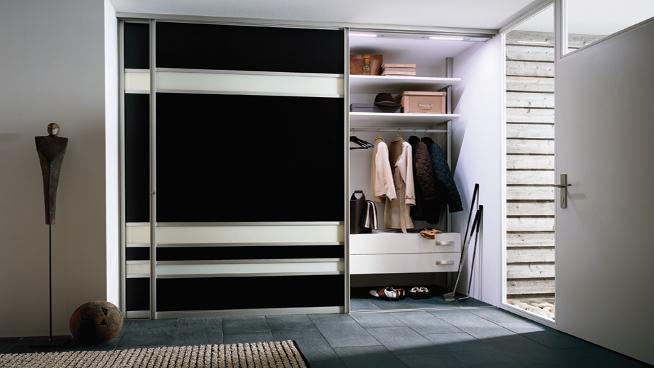 Расположение встроенного шкафа в нише