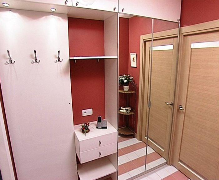 Шкаф в небольшую прихожую