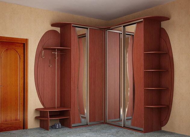 Угловая прихожая с двумя шкафами