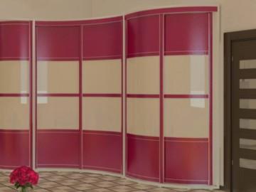 Встроенный шкаф купе в красном цвете