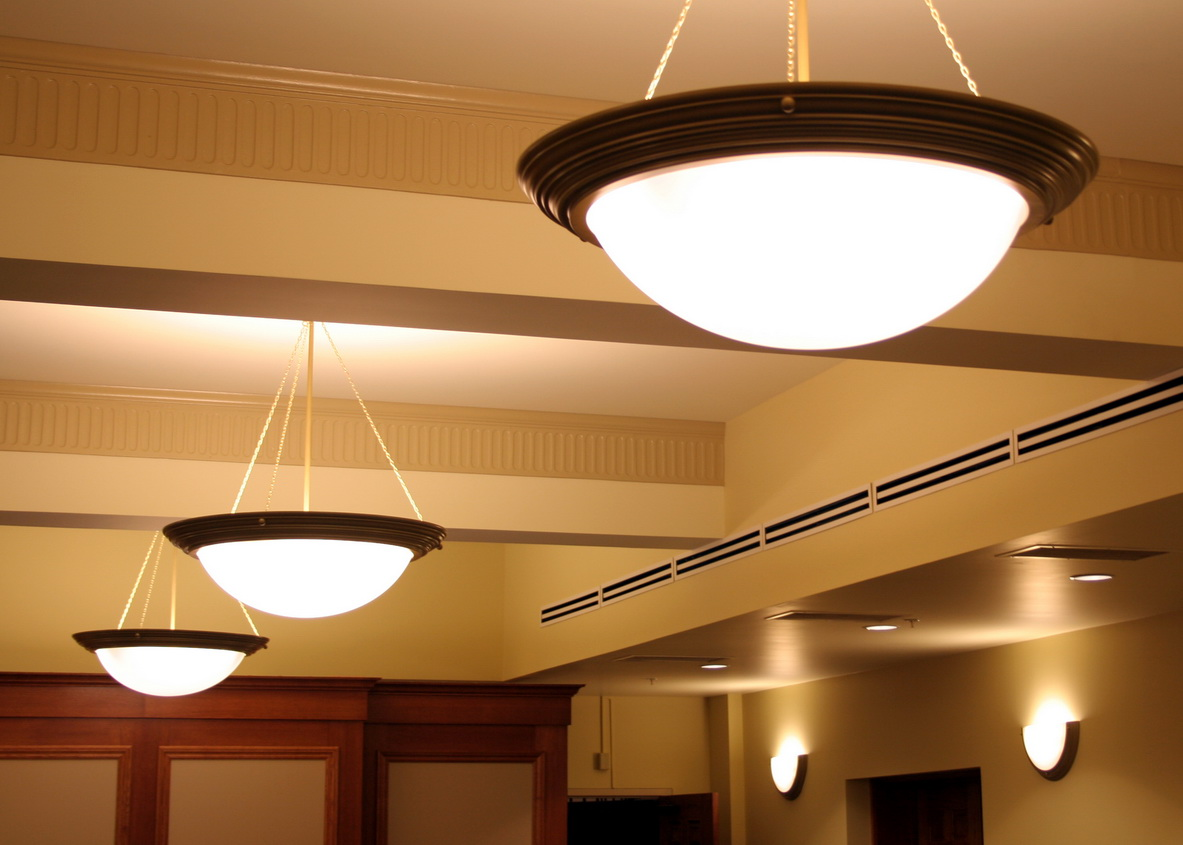 Потолочные светильники в прихожую