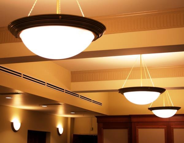 Светильники в прихожей квартиры
