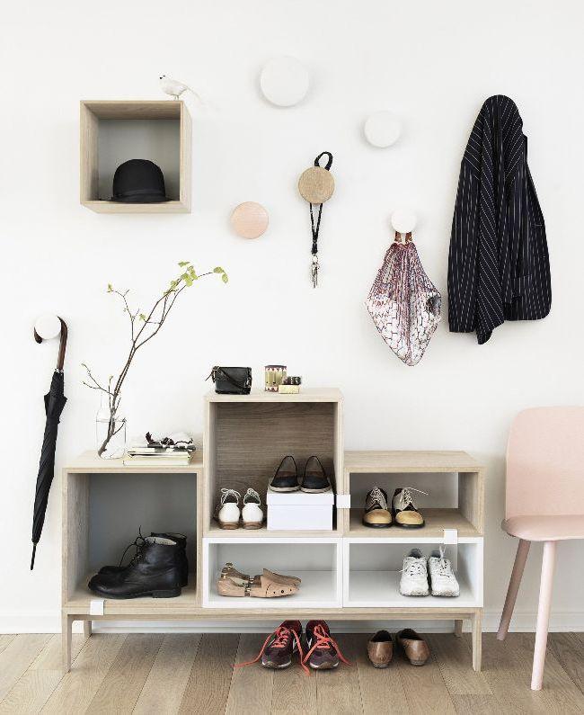 Современная компактная мебель в прихожей