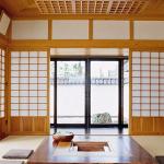 Использование в прихожей стекла для создания японского стиля