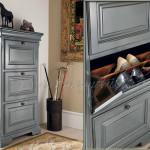 Практичный шкаф для прихожей в сером цвете классического стиля