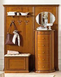 Натуральная мебель в экостиле для коричневой прихожей