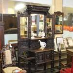 Раритетная деревянная мебель для стиля ренессанс для оформления прихожей