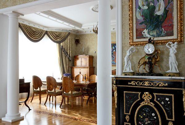 Белые колонны для стиля ампир вместо дверей в прихожей