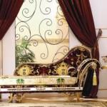 Удобный цветной диван для арт-деко стиля в просторной прихожей