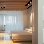 Дистанционное управление электрическими датчиками в умном доме в прихожей