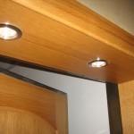 Дверной проем облагороженный подсветкой