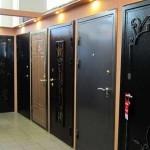 Металлическая дверь входная с элементами ковки