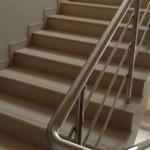 Монолитный вид ступеней для обустройства лестницы в доме