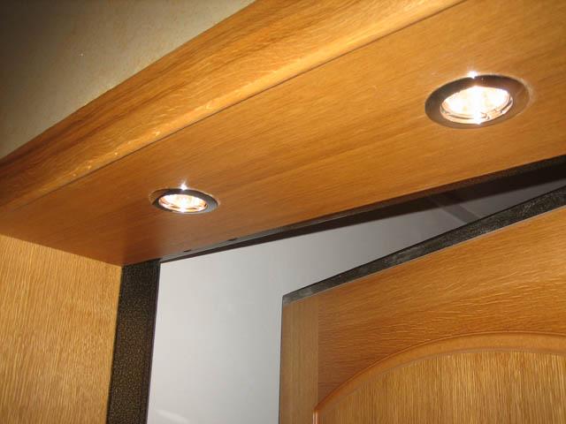 Отделка откосов для двери с подсветкой