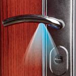 Подсветка замочной скважины входной двери