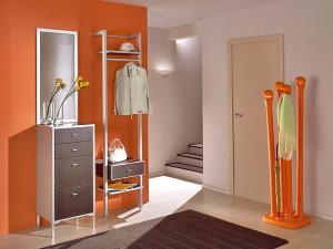 Предметы интерьера в оранжевом цвете для прихожей