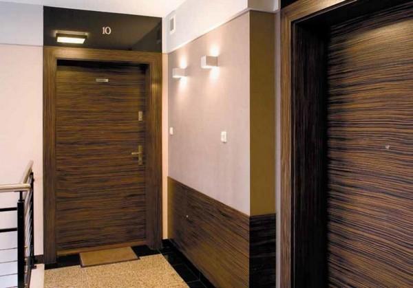 Шумоизоляционная входная дверь с деревянной обивкой