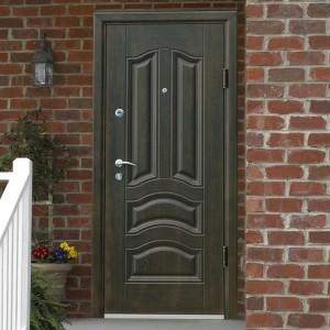 Стильная входная дверь для частного дома или дачи