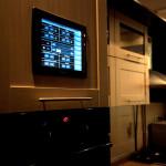 Установка системы безопасности умного дома в прихожей