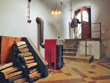 Установка твердотопливного котла в подвале частного дома