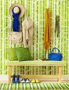 Зеленый цвет для создания естественности интерьера в прихожей