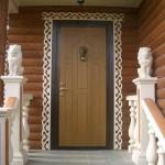 Входная дверь с оригинальным звонком