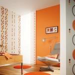 Яркая оранжевая прихожая в стиле минимализм