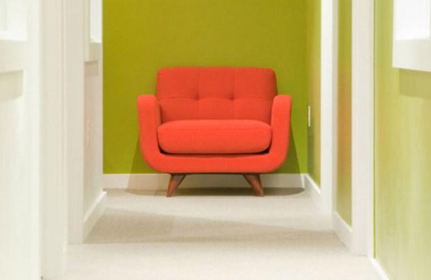Цветная мебель для прихожей в зеленой палитре цветов
