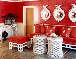 Создание уютной прихожей с использованием красного цвета