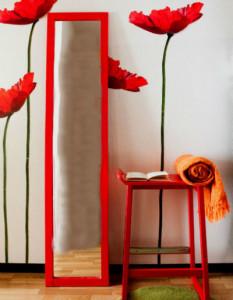 Необычная мебель для красной прихожей