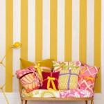Желтый интерьер для прихожей в полоску