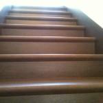 Красота поверхности плитки из керамогранита для ступеней