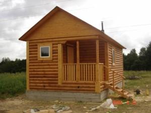 Небольшая русская деревянная баня