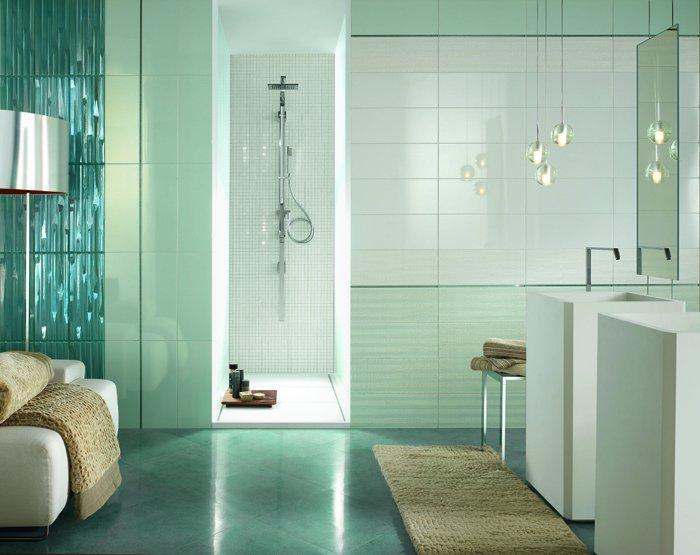 Стильная ванная с отделкой из керамической плитки
