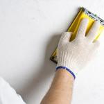 Как шпатлевать и зачищать стены