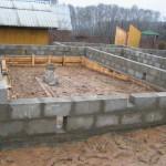 Как строить фундамент из блоков