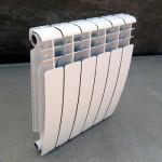 Небольшой радиаторов биметаллического типа